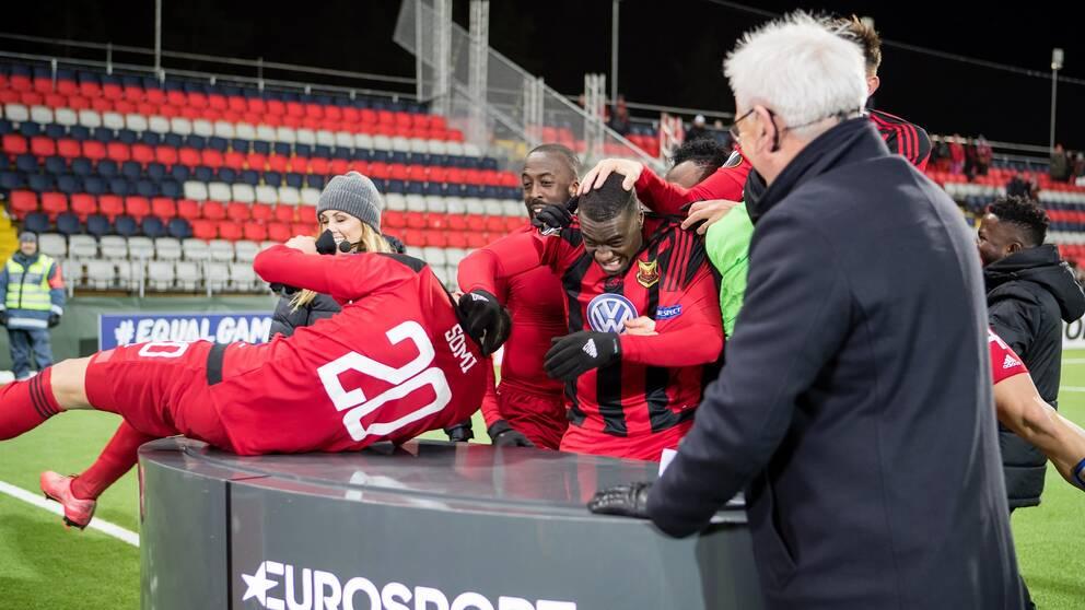 ÖFK:s Gabriel Somi och Ken Sema stormar Eurosports sändning