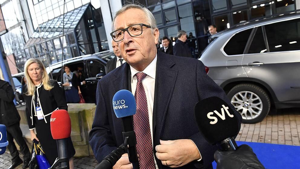 Europeiska kommissionens ordförande Jean-Claude Juncker utanför Eriksbergshallen i Göteborg den 17 november.