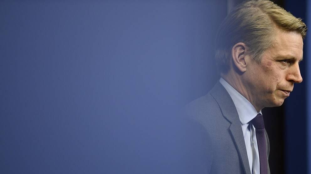 STOCKHOLM 20171130 Finansmarknadsminister Per Bolund presenterar regeringens beslut gällande Finansinspektionens förslag om ändring i Finansinspektionens föreskrifter om amorteringskrav under en pressträff i Bella Venezia i Stockholm. Foto: Hossein Salmanzadeh / TT kod 11860