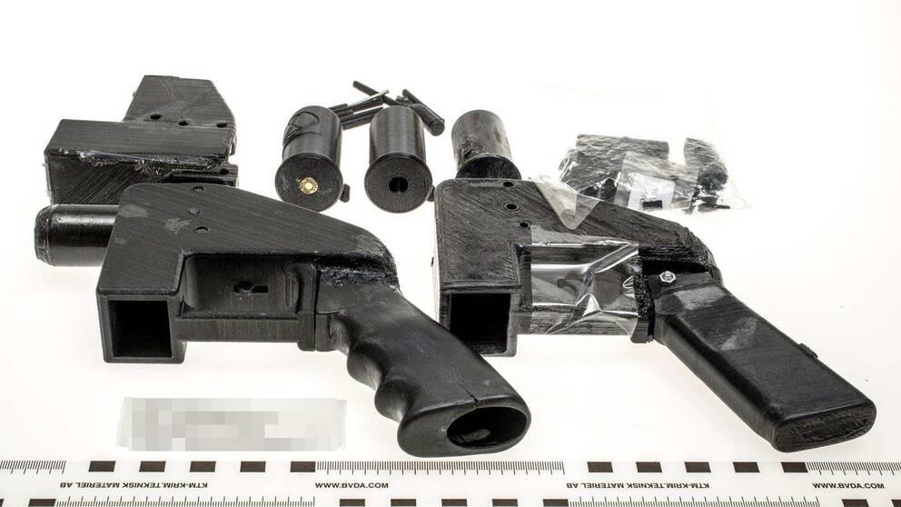 Beslagtagna vapen tillverkade av en 3D-skrivare.