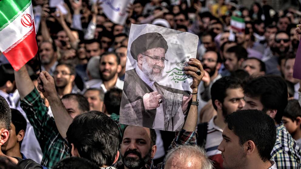 Presidentval i Iran. Den sittande presidenten Hassan Rohani vann över och mannen på bilden, den konservative Ebrahim Raisi.