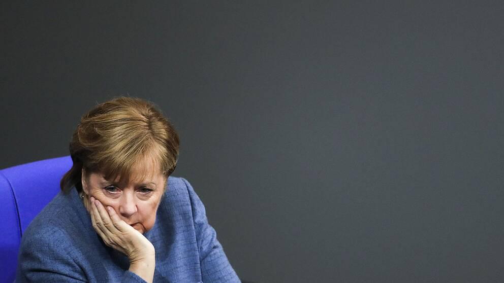 För Angela Merkel gäller det att få ihop en stabil koalitionsregering med socialdemokraterna.