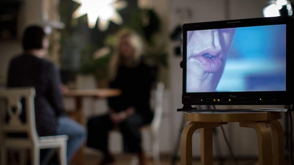 Gunilla börjar berätta familjens historia och beskriver om när hon tyckte det var dags att agera mot missbruket som inte gick att ignorera längre.