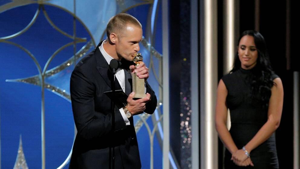 Alexander Skarsgård mottar sin Golden Globe