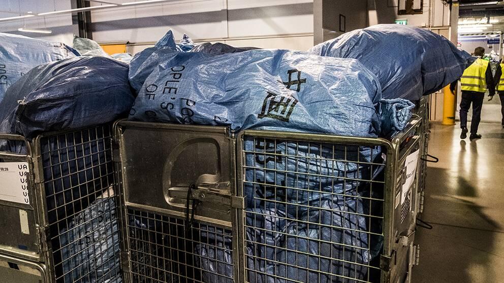 Postnord inför avgift på paket från Kina