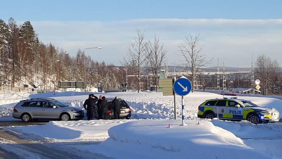 En man gripen efter stor polisjakt