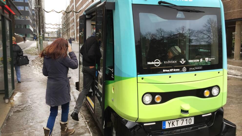 24 januari var det premiär för de kostnadsfria förarlösa bussarna i Kista.