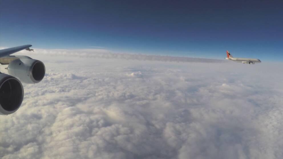 Sotpartiklar i kondensstrecken efter flygplanen undersöks nu av tyska och amerikanska forskare i Ramstein.