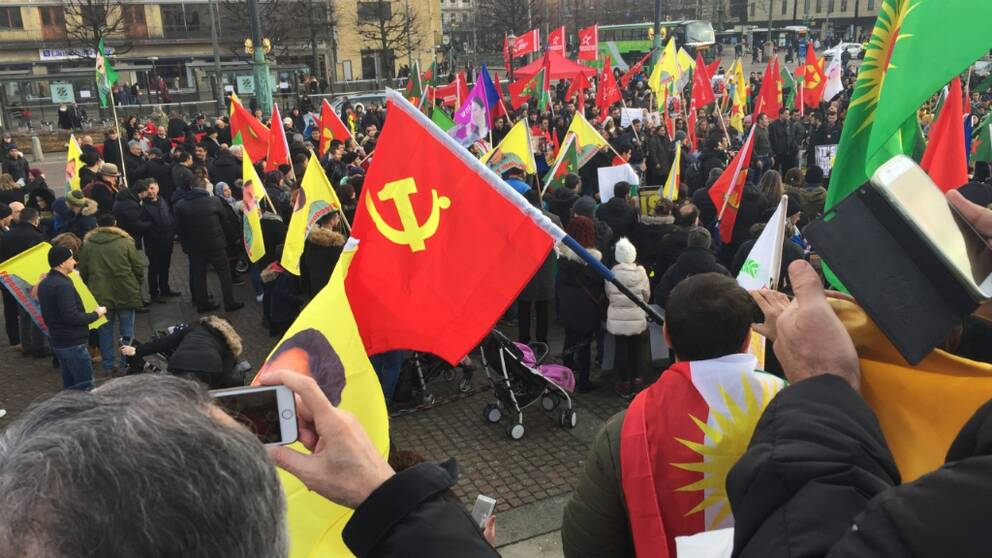 Hundratals i protest i goteborg