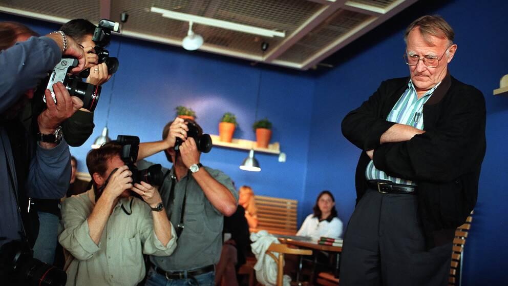 Ingvar Kamprad vid en presskonferens den 17 augusti 1998 på Ikea i Kungens Kurva.