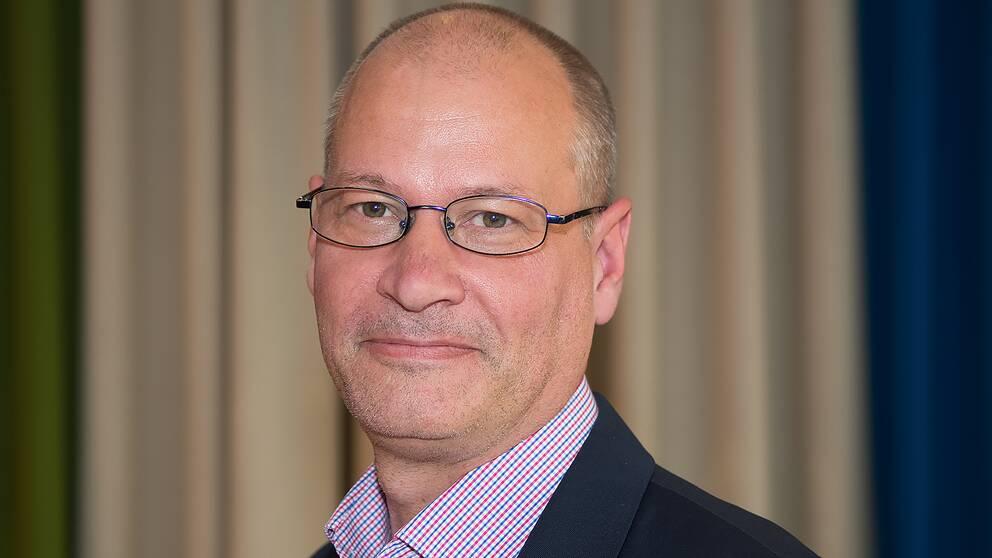 Johan Lindgren, ordförande i fackförbundet Tull-Kust, anser att tullen inte har resurser att stoppa inflödet av illegala vapen.