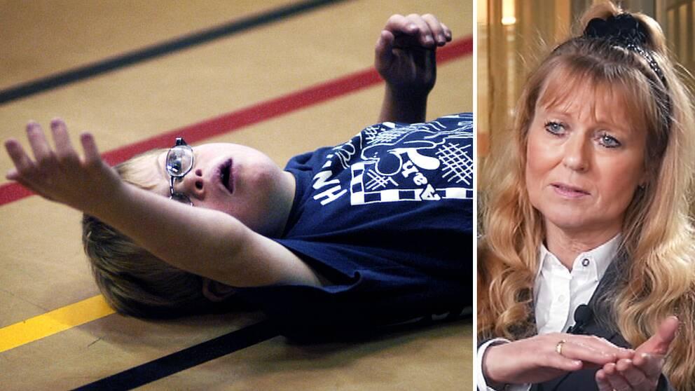 Professor Karin Källén bredvid en pojke med downs syndrom leker i en gymnastiksal
