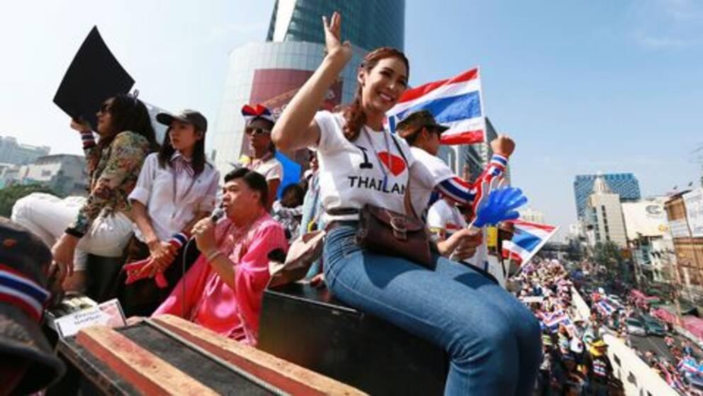Tusentals rodskjortor i bangkok