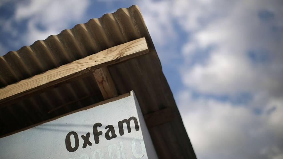 En Oxfam-skylt i Haiti från åren då hjälpinsatsen pågick