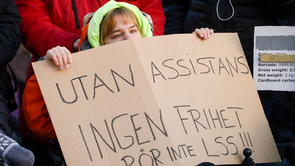 Bilden är från en manifestation för LSS, lag om stöd och service till vissa funktionshindrade.
