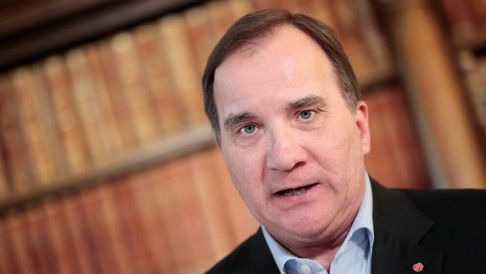 Statsminister Stefan Löfven (S) är positiv till att Eskilstuna vill pröva att införa tillstånd för tiggeri.