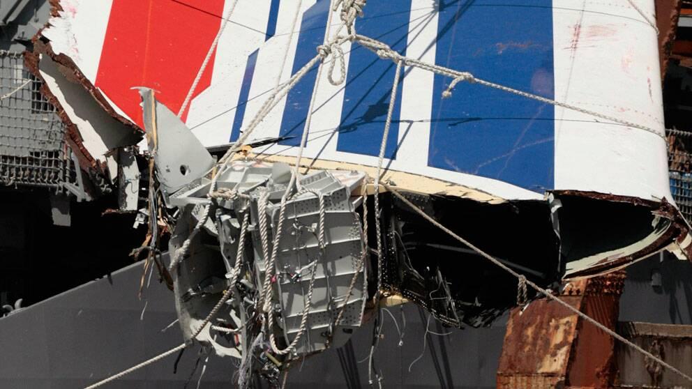 Del från det kraschade Air Franceplanet i Atlanten. Foto: Scanpix