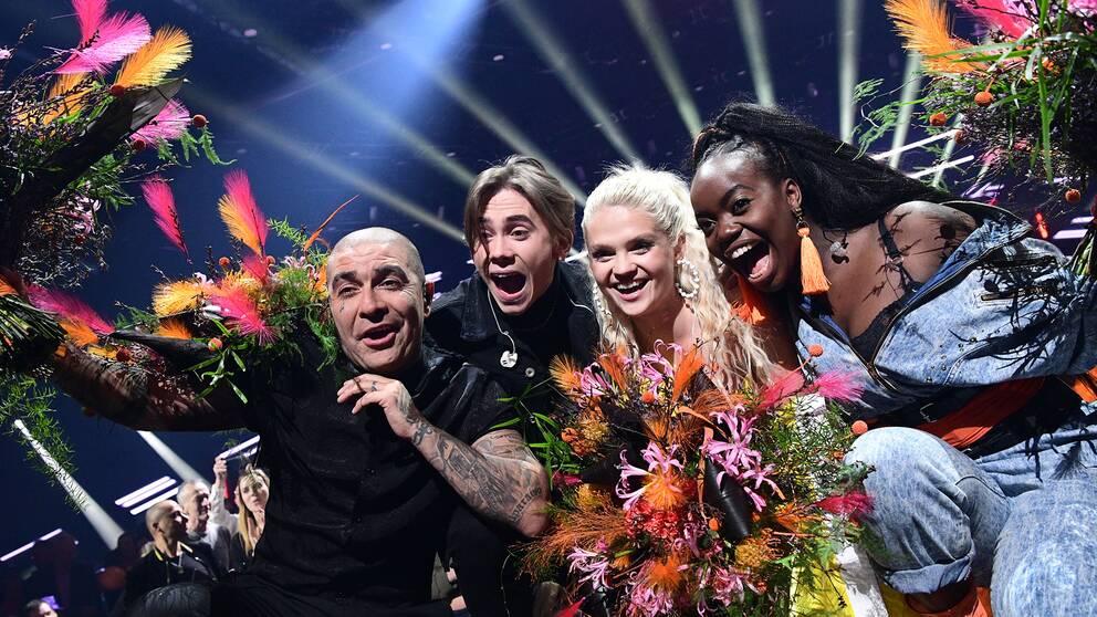 Méndez, Felix Sandman, Margaret och Renaida firar seger i Andra chansen.