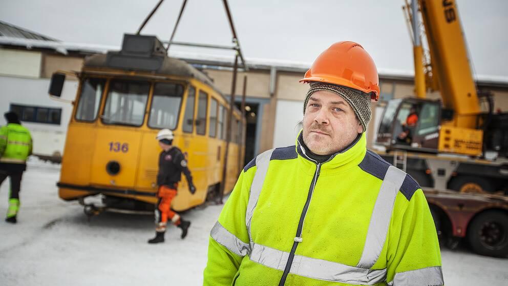 Daniel Ersson, kassör i Svenska spårvägssällskapets Gävleavdelning, ser drömmen gå i kras. Spårvagnarna lämnar Gävle.