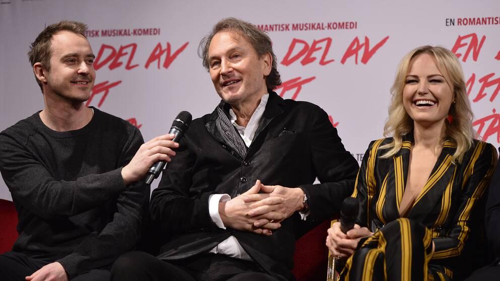 Malin Åkerman och Jonas Karlsson ska spela huvudrollerna i en stjärnspäckad film baserad på Tomas Ledins texter och musik.