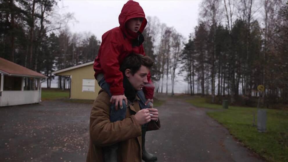 """Bild ur filmen """"Din barndom ska aldrig dö""""."""