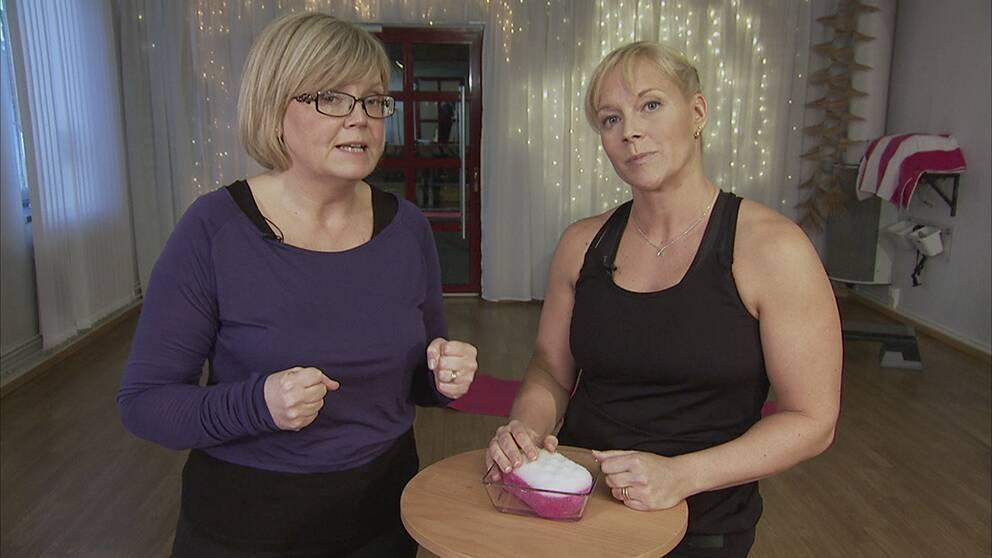 Gunilla Hasselgren och Sofia Åhman i Artrosskolan.
