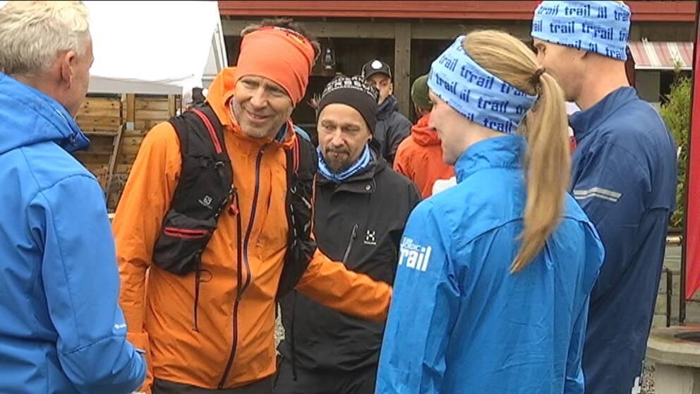 Plogg-Erik, Erik Ahlström startade ploggning i Sverige och allt fler joggar och plockar skräp runtom i världen.