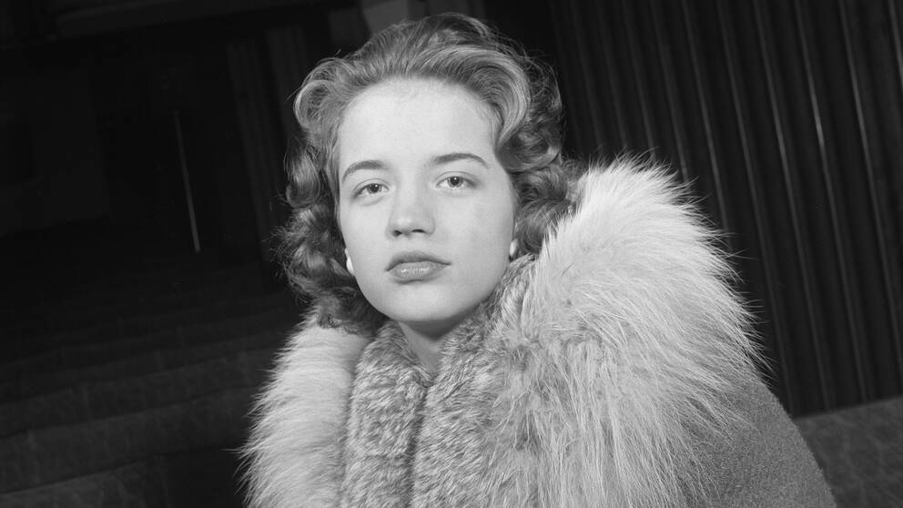 Radiosänd barn- och familjeunderhållning, sänt 1956-01-01, där Lill-Babs framförde