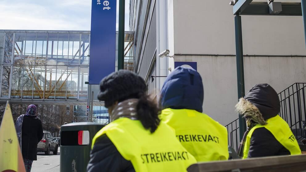 Danska strejken pa vag ta slut