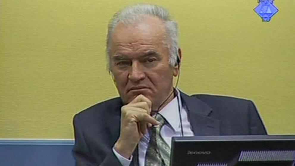 Mladic vagrade vittna kravde tillbaka lostander
