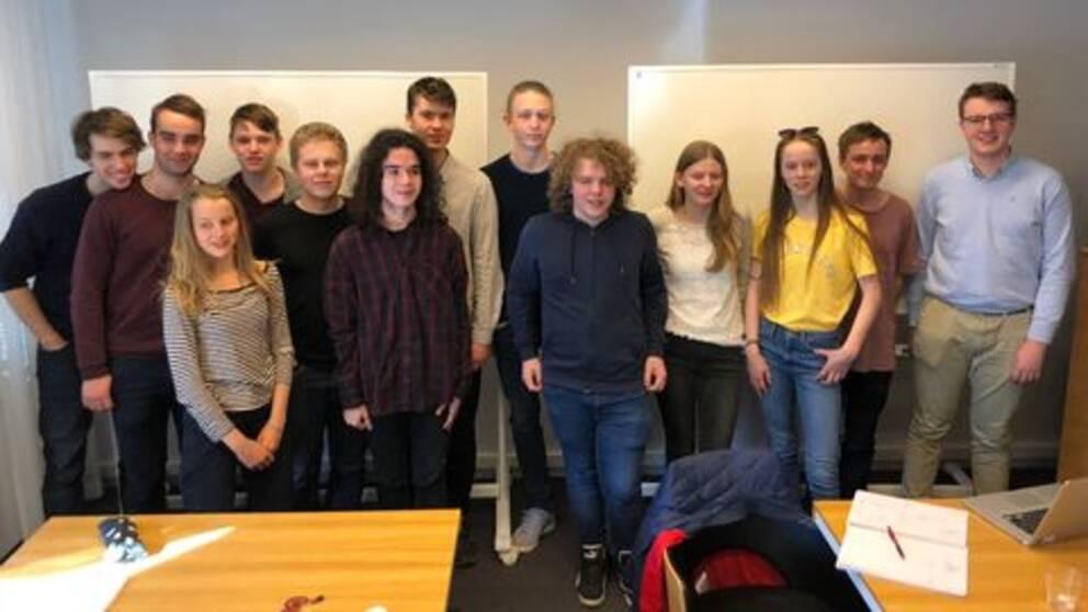 Här är eleverna som gör upp i Matte-SM i Stockholm.