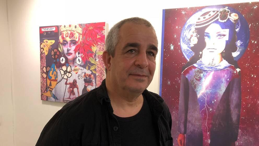 Jafer Taoun håller i utställningen och han är själv konstnär.