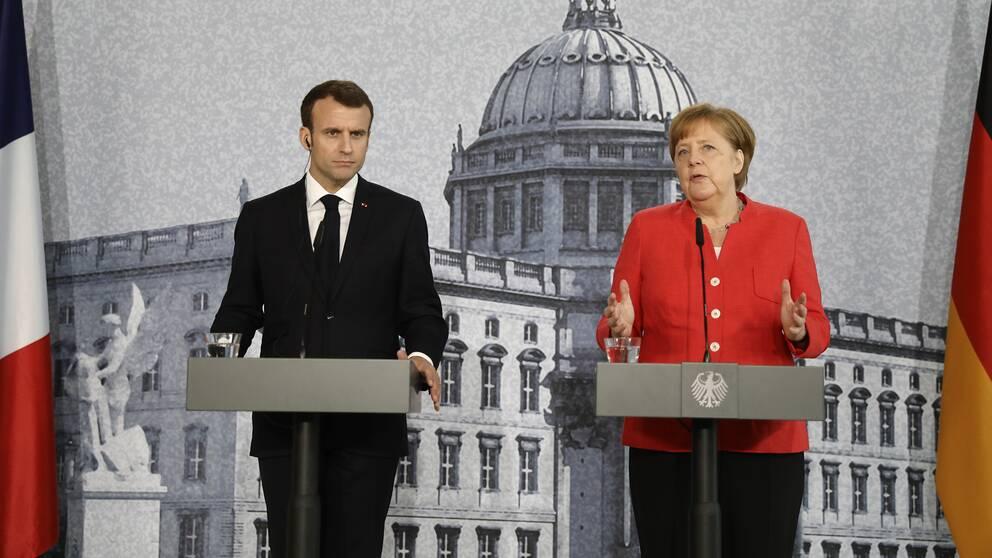 Frankrikes president Emmanuel Macron och Tysklands förbundskansler Angela Merkel höll gemensam presskonferens i Berlin under torsdagen.
