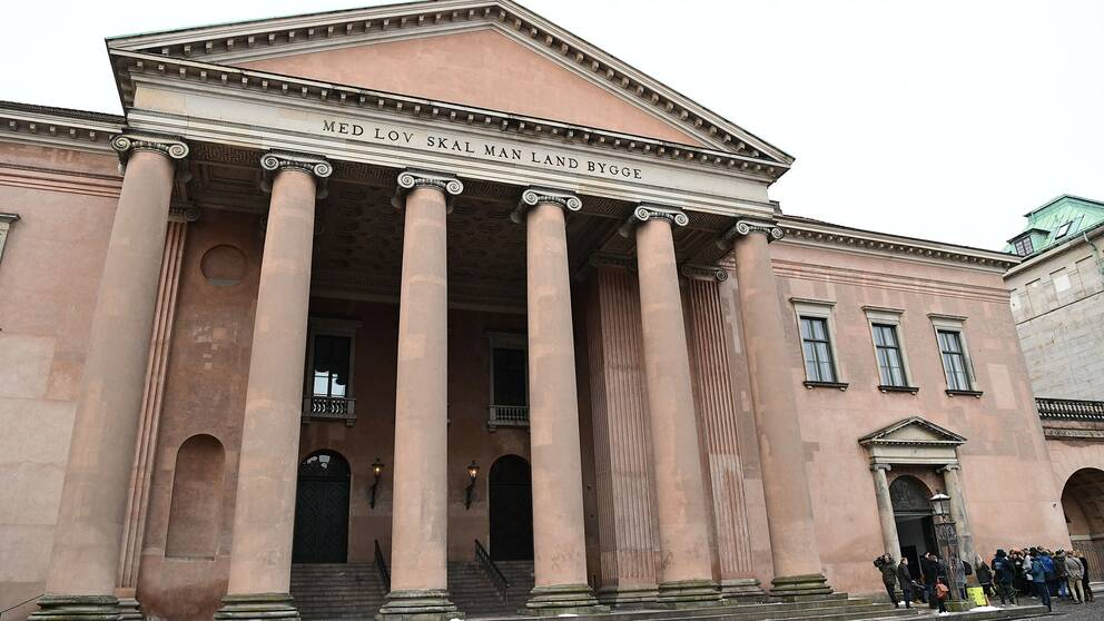 Rättegången hålls i Köpenhamns tingsrätt.