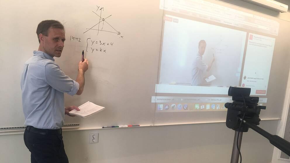 Daniel Nilsson, speciallärare i matematik på Stagneliusskolan i Kalmar, gillar att testa nya sätt att lära ut matematik på