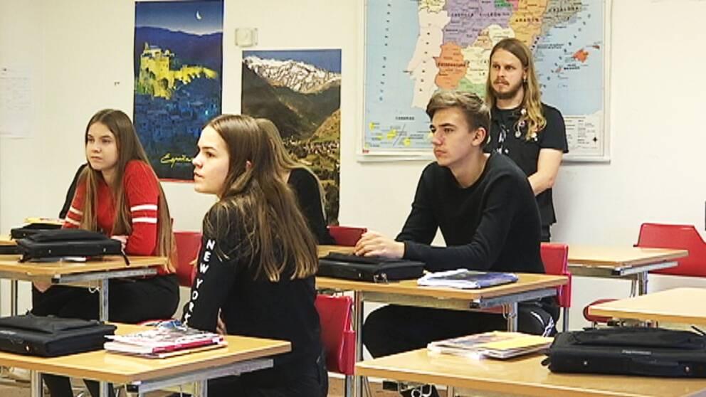 Albin Karlsson som går i 8:an på Kyrkebyskolan i Arvika har spanska som språkval
