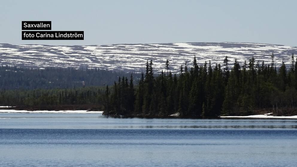 Snösmältningen har gått fort men ännu finns lite kvar i Jämtlandsfjällen vid Saxvallen.