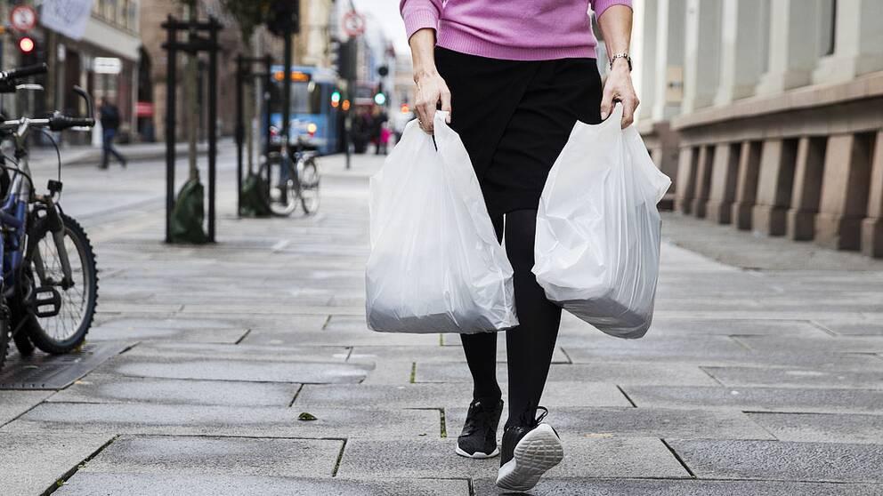 Svenskarna valjer bort plastpasen
