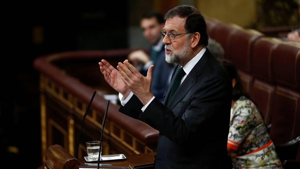 Rajoy talade inför parlamentet på fredagen.