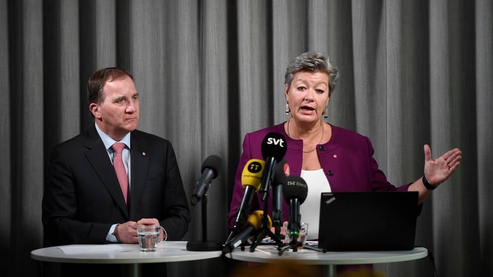 Statsminister Stefan Löfven (S) och arbetsmarknadsminister Ylva Johansson (S).