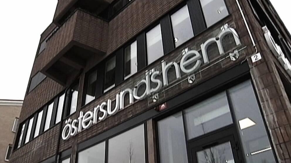 Östersundshem har lämnat ut material som kammaåklagare Niklas Jeppsson efterfrågat i utredningen mot Daniel Kindberg, berättar Östersundsposten.