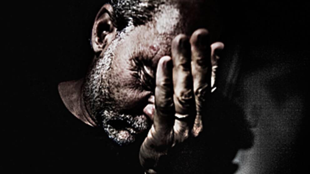 Fysisk smärta och social smärta fungerar på liknande vis i våra hjärnor. Ny studie har till forskarnas förvåning, visat att smärtlindring har effekt på sårade känslor. Foto: Scanpix