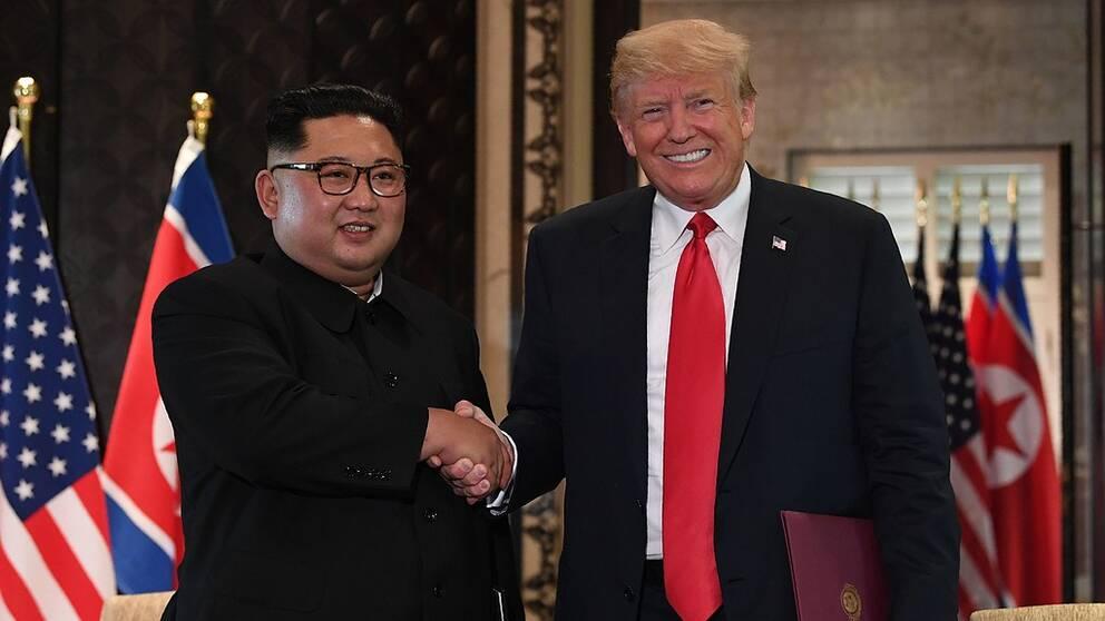 Kim och Trump i historiskt möte i natt