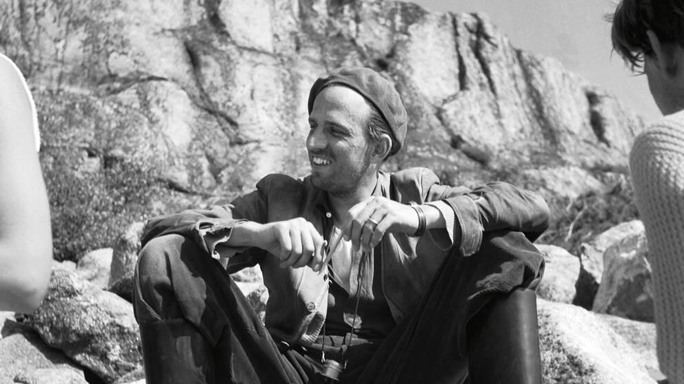 Ingmar Bergman under inspelningen av Sommaren med Monika.