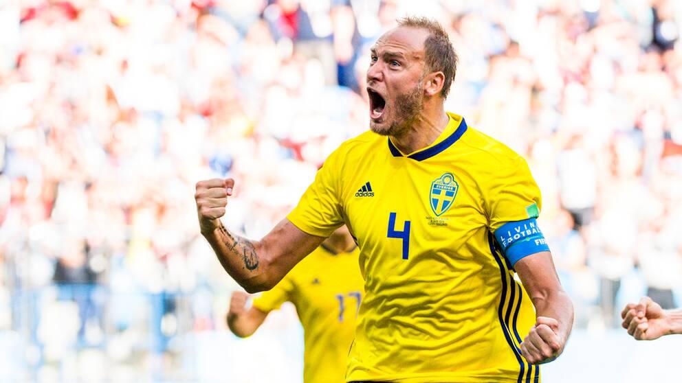Andreas Granqvist firar mål