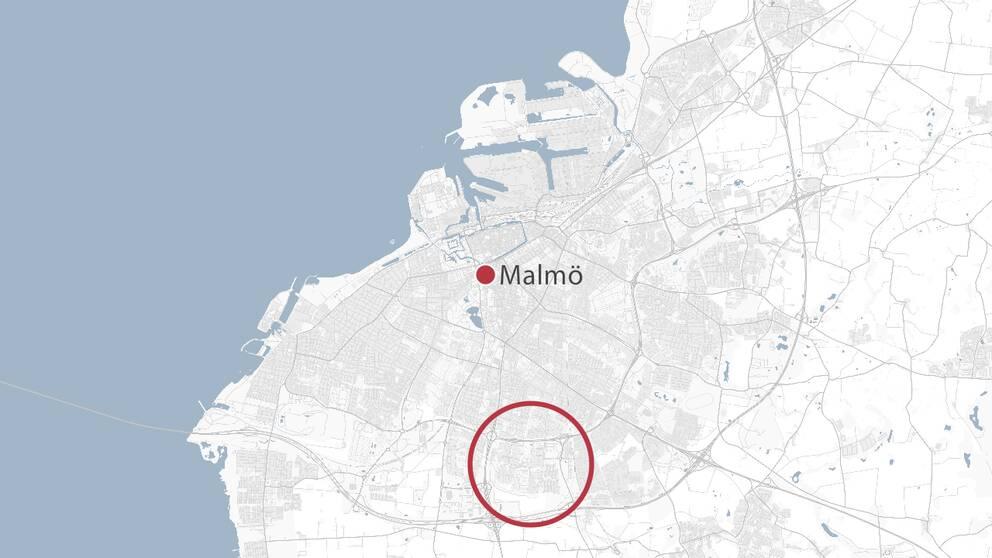 Bara dagar efter trippelmordet skakas staden av en ny skjutning. Den här gången i bostadsområdet Lindängen.