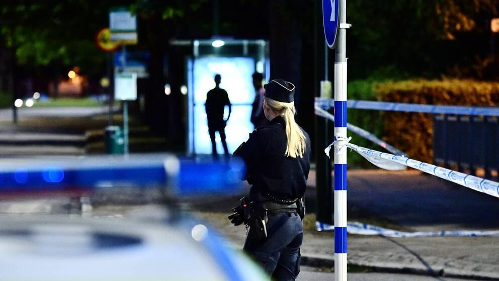Polisen på brottsplatsen.