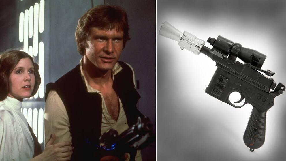 """Till vänster Carrie Fisher och Harrison Ford som prinsessa Leia och Han Solo. Till höger vapnet som användes i """"The Return of the Jedi"""" som det såg ut när det nu såldes på auktion."""