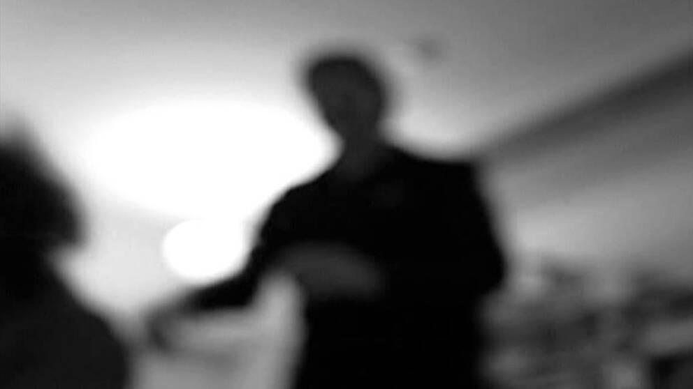 Overfallen kvinna svart misshandlad