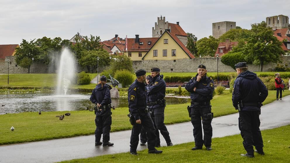 Arkivbild. Poliser i Almedalen under politikerveckan 2014.